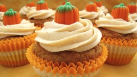halloween_pumpkin-cupcakes